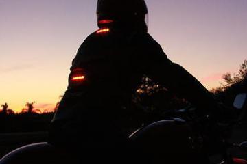 Impulse Jacket Keeps You Visible At Night