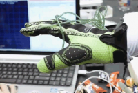 Hands Omni Glove: Virtual Reality + Touch