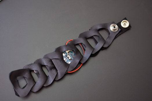 buzzing-bracelet