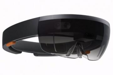 Microsoft HoloLens: Wireless, 5.5 Hour Battery Life