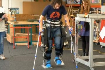 VariLeg Exoskeleton Mimics Human Knee