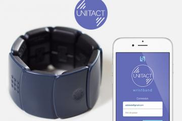 Unitact Smart Bracelet for Deaf Users