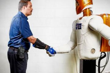 RoboGlove: Force Multiplying Wearable by GM & NASA