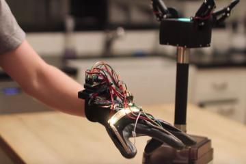 3D Printed Arduino Robotic Gripper / Glove [Video]