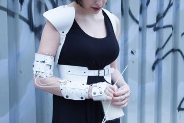 Cyberknitics: Garment Generates Sound As You Knit
