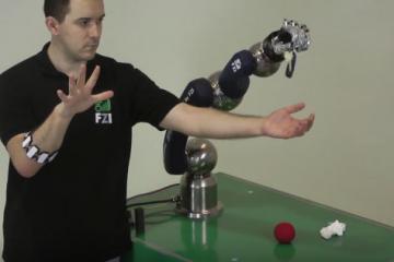 Myo Armband Controlling 6DOF Robotic Arm