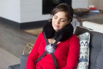 Journey Pillow: Wearable Neck Pillow