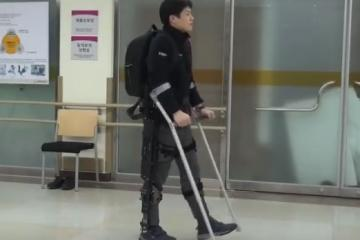 RoboWear8 Wearable Walking Robot for Spinal Cord Injury Patients