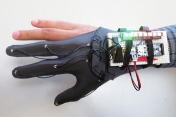DIY: Glove Controller With E-Textile Sensors