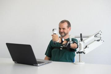 ArmeoSenso with SaeboMas Mini Arm Therapy System