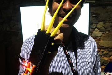 Wolverino Muscle-controlled X-Men Wolverine Claws