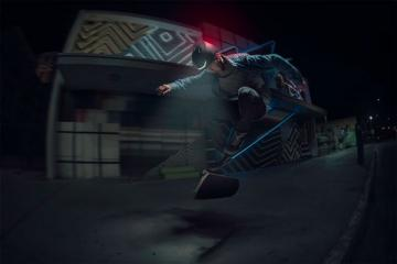 "Lumos ""Matrix"" Helmet with Animated Turn Signals"
