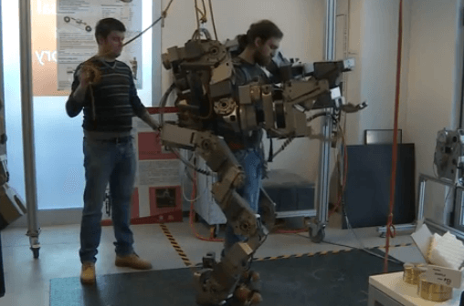 Robo-suit Lets You Lift 110 lbs in Each Hand