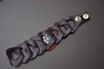 DIY: Buzzing Mindfulness Bracelet