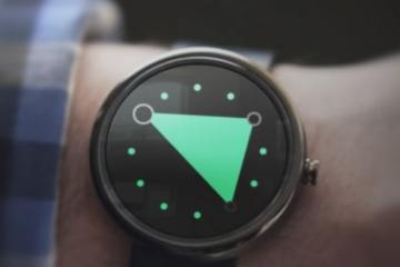 3ANGLE Smartwatch Watch Face Shows Time with a Triangle
