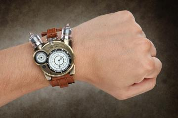 Tesla Watch: Steampunk Analog Watch