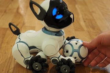 CHiP Smart Robot Puppy w/ Wearable for Location Tracking