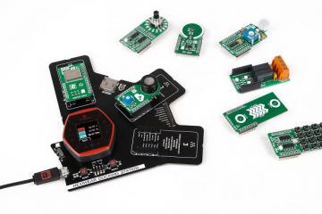 Hexiwear: Smart Wearable Development Kit with Smartwatch Form Factor