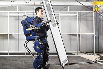Hyundai's Wearable Robotic Exoskeleton Gives You Extra Strength