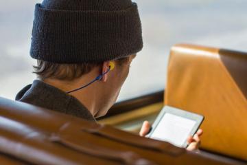 Plugfones: Bluetooth Earplug Headphones