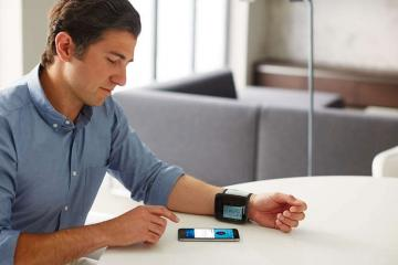 Philips Connected Wrist Blood Pressure Monitor