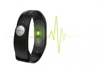 TomTom Touch Smart Wearable with Body Composition Analyzer