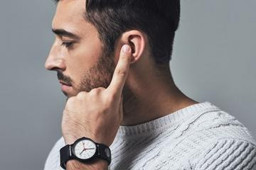 Sgnl: Smart Strap Lets You Take Calls with Your Fingertip