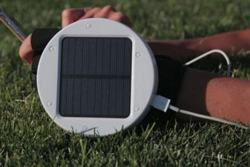 Go Solar Gloves Charge Your Smartphone