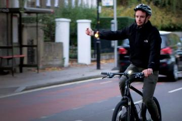 Signum Wearable Signal Indicator for Cyclists