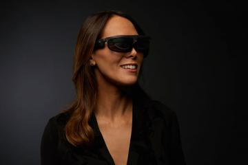 R-8 and R-9 Smartglasses Announced