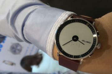 Pertie Gligo E-Ink Smartwatch