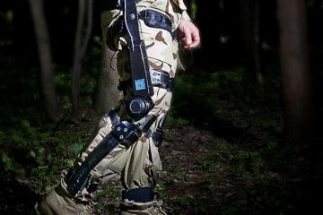 Lockheed Martin Exoskeleton Helps Soldiers Carry Heavy Equipment
