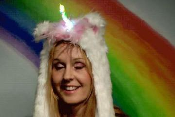 DIY: Unicorn Hat with Moving Ears