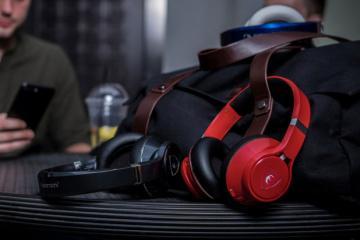EDGE: AI Enhanced Wireless Headphones