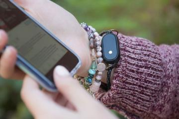 zOrigin Fitness Tracker Built with Chip-stacking Technology