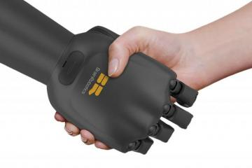 BrainRobotics Smart EMG Bionic Hand
